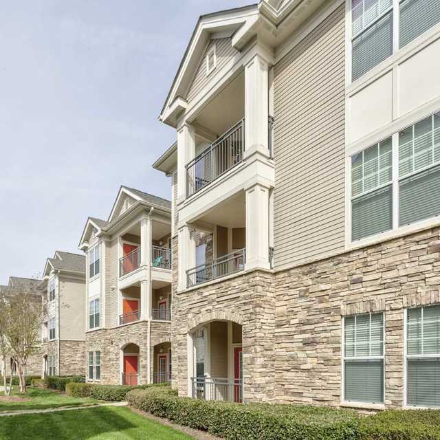 Legacy Crossroads Apartments For Rent