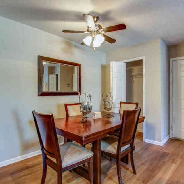Carriage Hill Apartments In Chagrin Falls Ohio: Liberty Hill Apartments