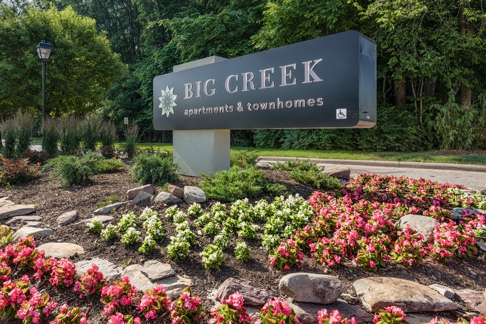 Big Creek Apartments In Parma Oh Apartments For Rent In Ohio